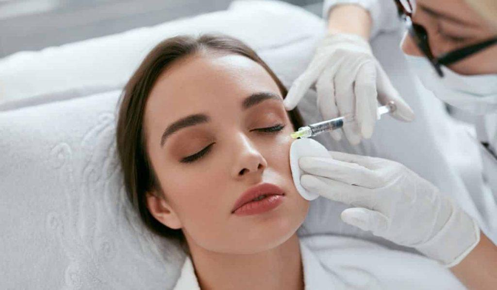 Tratamiento facial con plasma rico en plaquetas